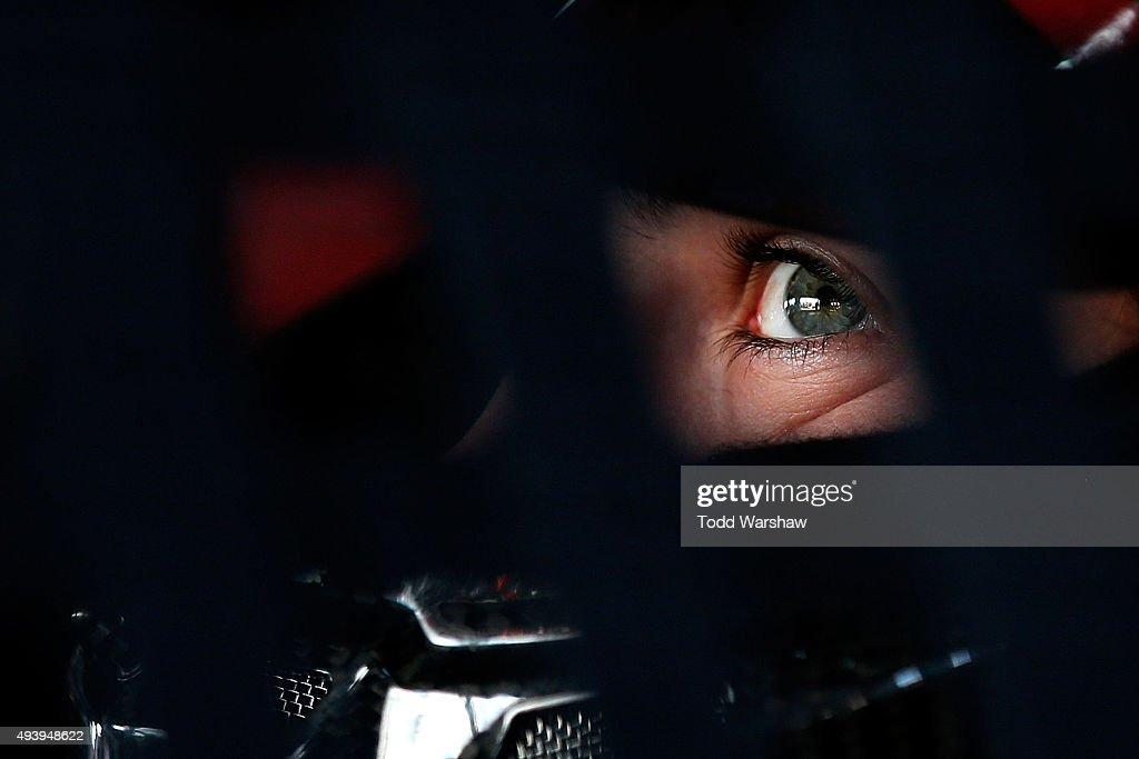 NASCAR Sprint Cup Series CampingWorld.com 500 - Practice : News Photo