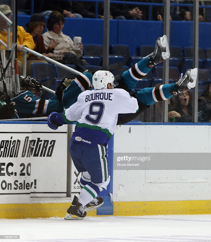 Worcester Sharks v Connecticut Whale : News Photo