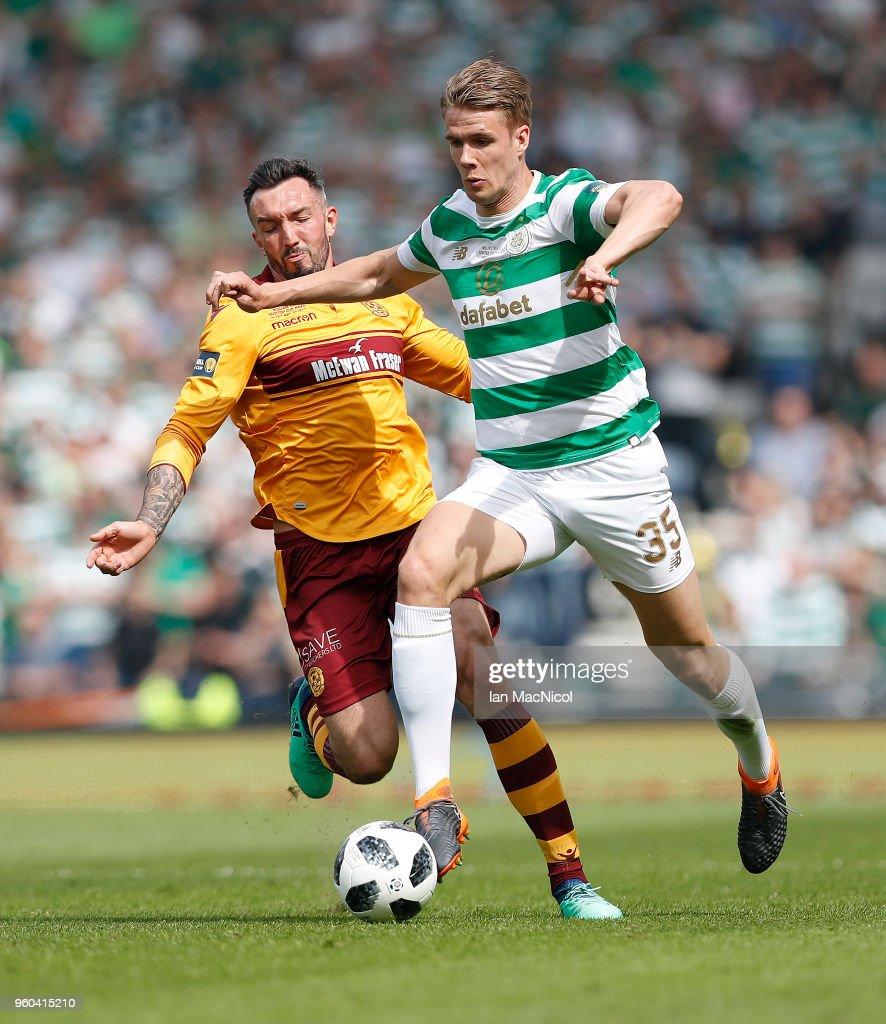 Motherwell v Celtic - Scottish Cup Final : News Photo