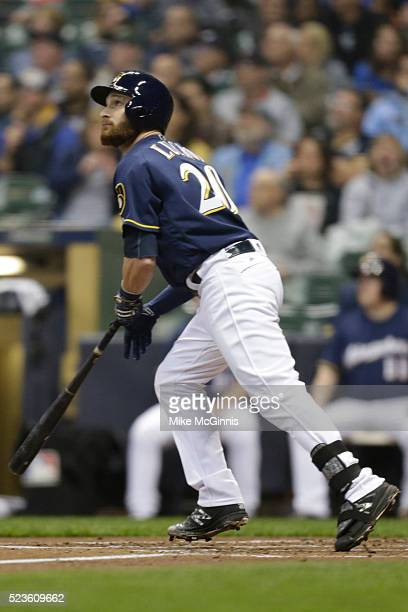 Ryan Braun of the Milwaukee Brewers runs to first base on contact during the game against the Minnesota Twins at Miller Park on April 20, 2016 in...