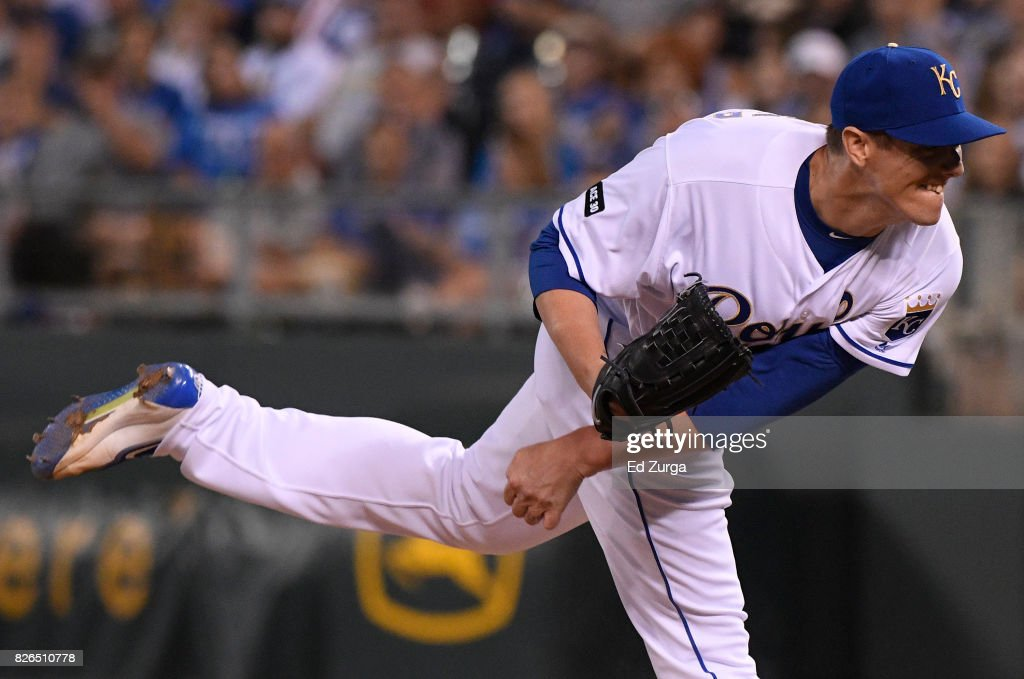 Ryan Buchter #49 of the Kansas City Royals throws in the seventh inning against the Seattle Mariners at Kauffman Stadium on August 4, 2017 in Kansas City, Missouri.