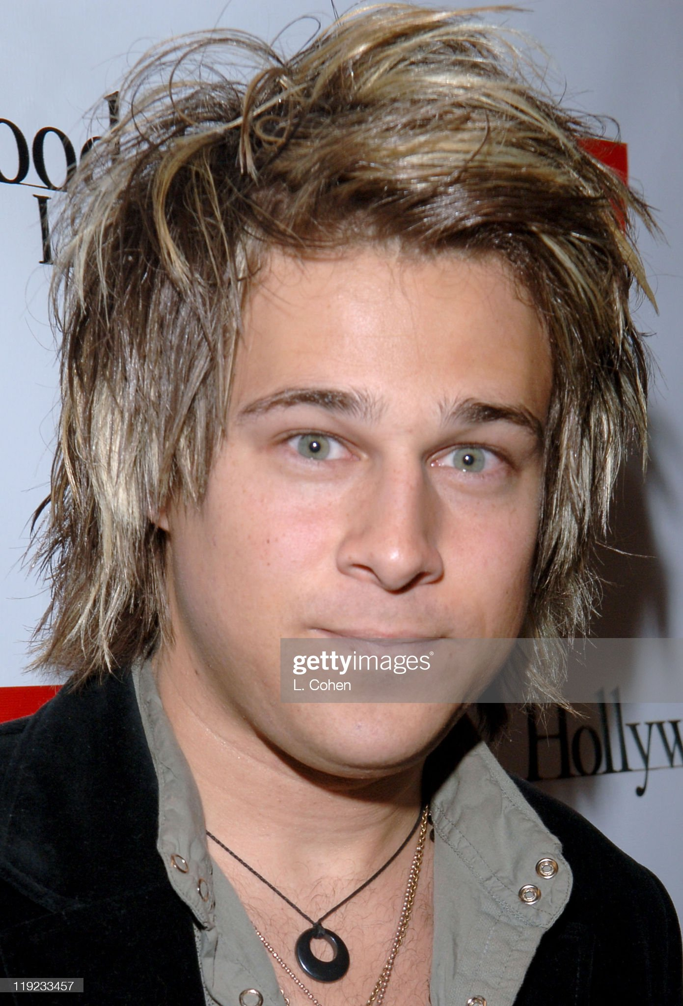 Ojos verdes - Famosas y famosos con los ojos de color VERDE Ryan-cabrera-during-diesel-presents-young-hollywood-awards-countdown-picture-id119233457?s=2048x2048