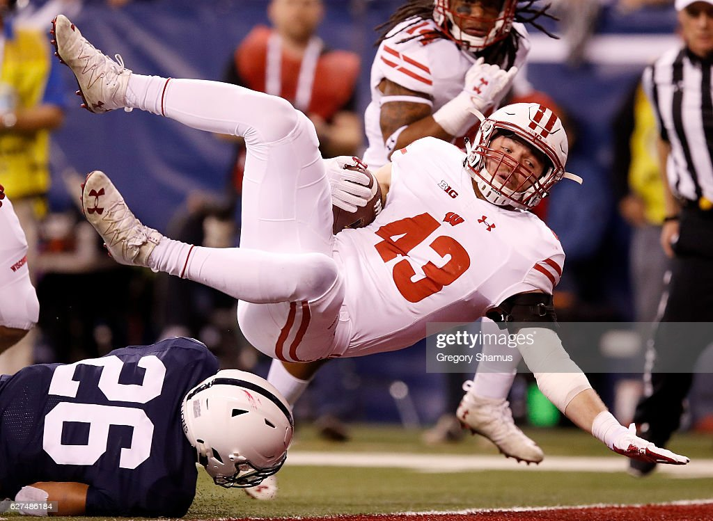Ryan Connelly #43 of the Wisconsin Badgers dives into the endzone for a touchdown after recovering a Penn State Nittany Lions fumble in the second quarter of the Big Ten Championship game at Lucas Oil Stadium on December 3, 2016 in Indianapolis, Indiana.