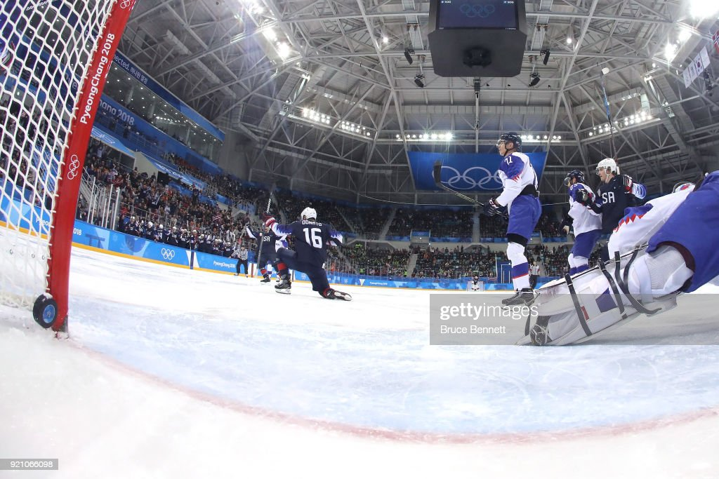 Ice Hockey - Winter Olympics Day 11 : News Photo