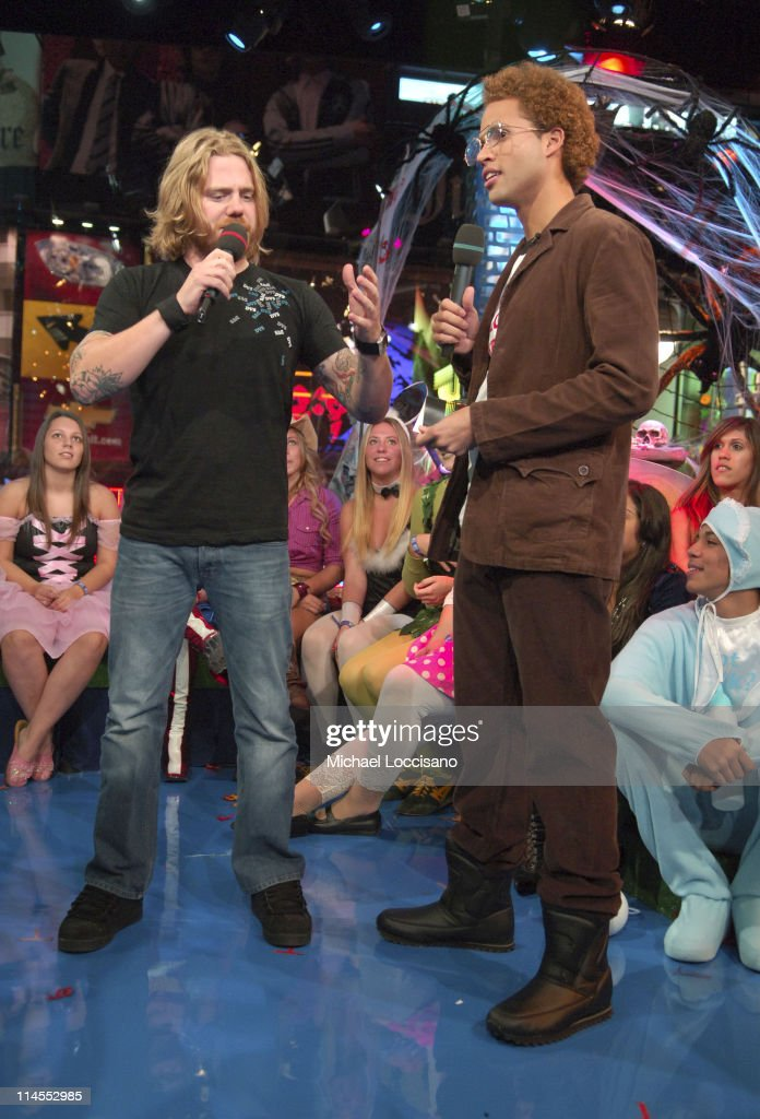 "Jamie Foxx and Ryan Dunn Visit MTV's ""TRL"" - October 31, 2005"