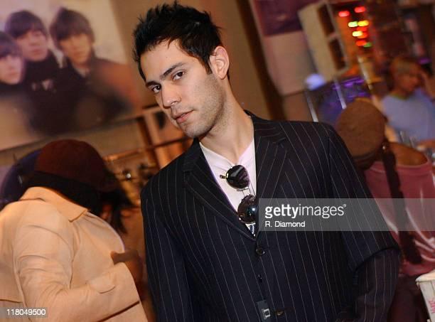 Maroon 5 Hairstyle: Ryan Dusick Photos Et Images De Collection