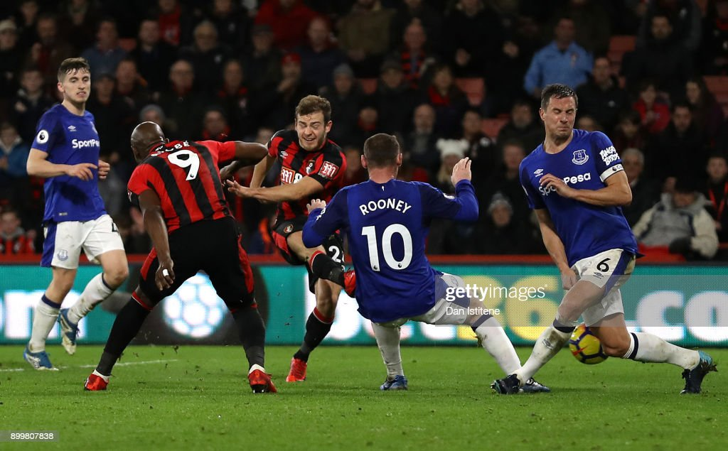 Ryan Fraser of AFC Bournemouth scores his team's second goal during the Premier League match between AFC Bournemouth and Everton at Vitality Stadium on December 30, 2017 in Bournemouth, England.