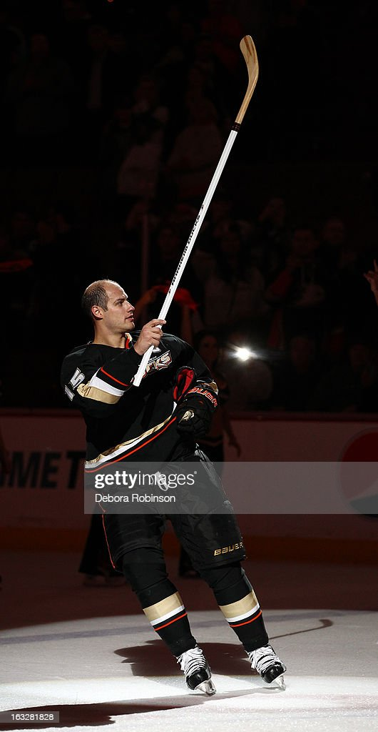 Ryan Getzlaf #15 of the Anaheim Ducks acknowledges the fans after the Ducks' 2-0 win over the Phoenix Coyotes on March 6, 2013 at Honda Center in Anaheim, California.