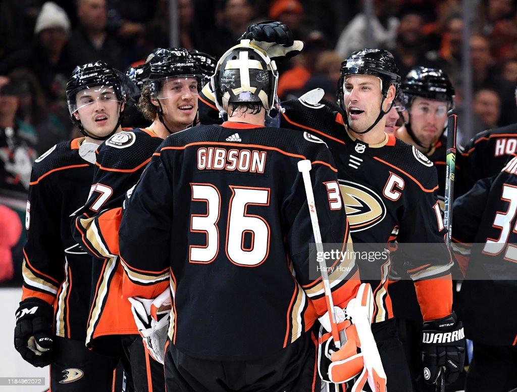 Vancouver Canucks v Anaheim Ducks : ニュース写真