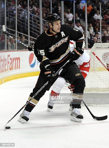 Ryan Getzlaf of the Anaheim Ducks looks to pass against the Detroit Red Wings during the game at the Honda Center on February 3, 2010 in Anaheim,...