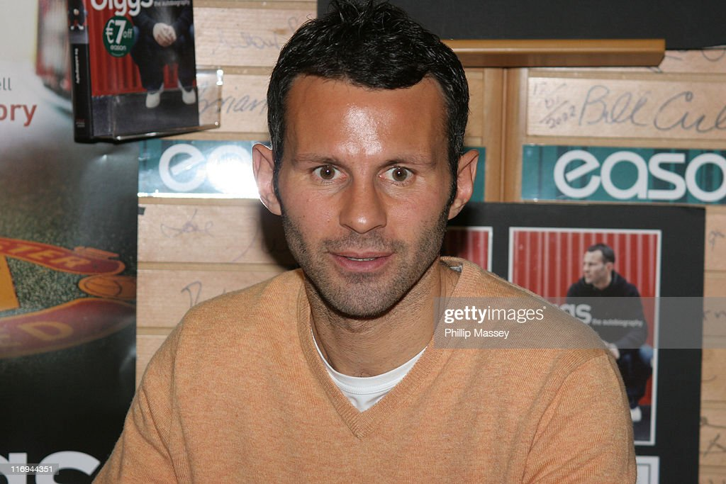 Ryan Giggs during Ryan Giggs Signs His Book 'Giggs: The Autobiography' at Eason Bookstore in Dublin - September 28, 2005 at Eason Bookstore in Dublin, Ireland.
