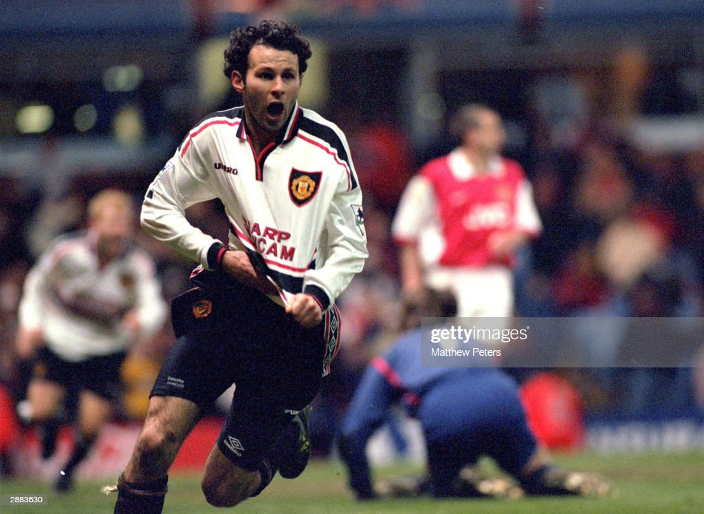 Ryan Giggs wins the Nationwide Award for most memorable FA Cup moment