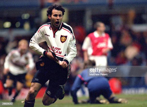 Ryan Giggs of Man Utd celebrates after scoring the winning goal during the FA Cup Semi Final match between Manchester United and Arsenal at Villa...