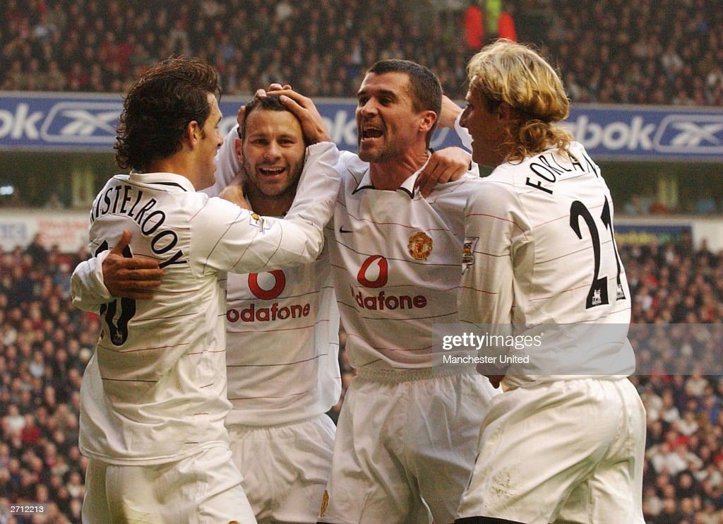 Ryan Giggs, Roy Keane, Diego Forlan and Ruud van Nistelrooy : News Photo