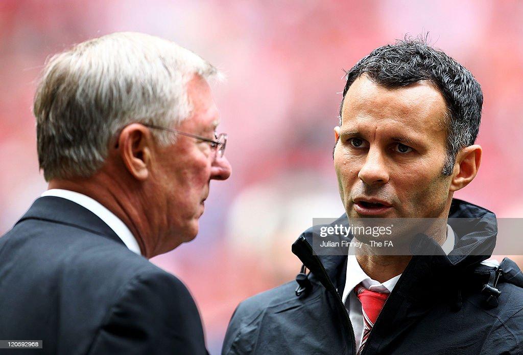 Manchester City v Manchester United - FA Community Shield : News Photo