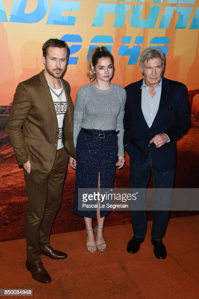 """Ryan Gosling, Ana De Armas and Harrison Ford, attend the """"Blade runner 2049"""" photocall at Hotel Le Bristol on September 20, 2017 in Paris, France."""