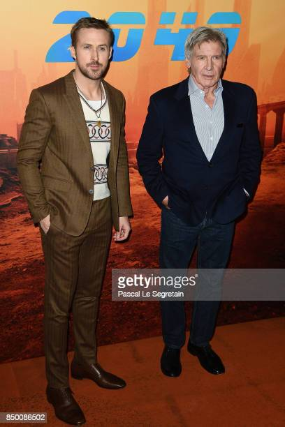 """Ryan Gosling and Harrison Ford attend the """"Blade runner 2049"""" photocall at Hotel Le Bristol on September 20, 2017 in Paris, France."""