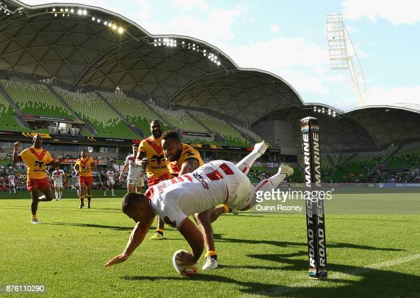 Ryan Hall of England scores a try during the 2017 Rugby League World Cup Quarter Final match between England and Papua New Guinea Kumuls at AAMI Park...