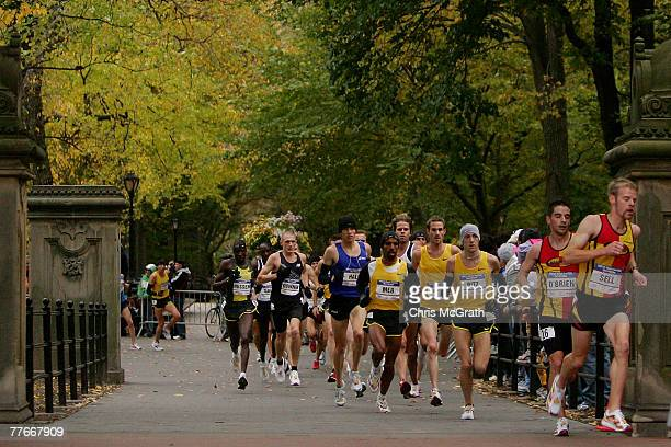 Ryan Hall runs with a pack through Central Park during the US Olympic Team Trials Men's Marathon held in Central Park November 3 2007 in New York City