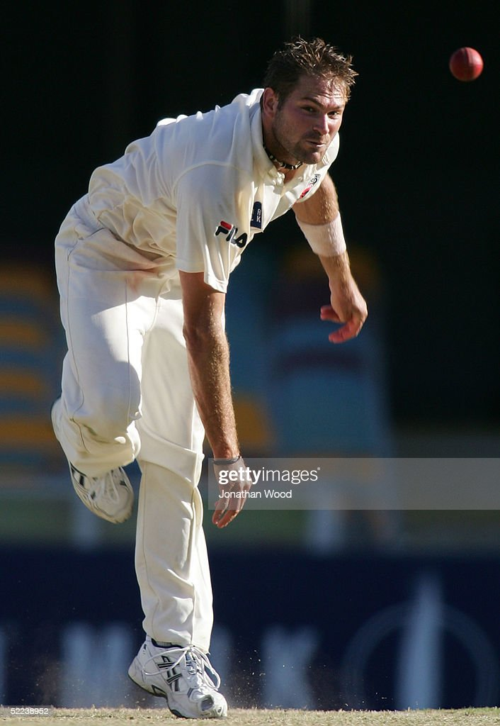 Ryan Harris of the Redbacks in action during day 2 of the Pura Cup match between the Queensland Bulls and South Australia Redbacks at the Gabba, February 25, 2005 in Brisbane, Australia