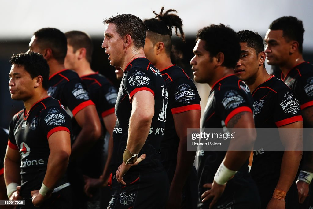 Ryan Hoffman of the Warriors looks on with the team during the round 23 NRL match between the New Zealand Warriors and the Canberra Raiders at Mt Smart Stadium on August 13, 2017 in Auckland, New Zealand.