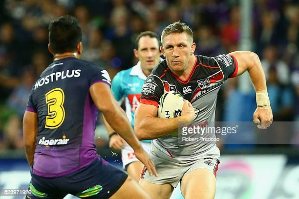 Ryan Hoffman of the Warriors runs during the round eight NRL match between the Melbourne Storm and the New Zealand Warriors at AAMI Park on April 25...