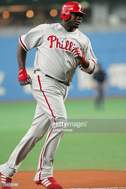 Ryan Howard of of the Philadelphia Phillies runs to the third base after hitting a homerun during the Aeon All Star Series Day 4 MLB v Japan AllStars...