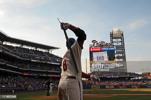 Ryan Howard of the Philadelphia Phillies warms up on deck during the game against the New York Mets at Citizens Bank Park on April 7 2011 in...