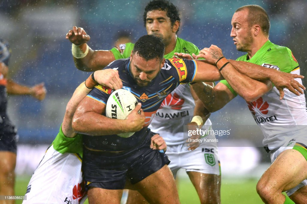 NRL Rd 1 - Titans v Raiders : News Photo