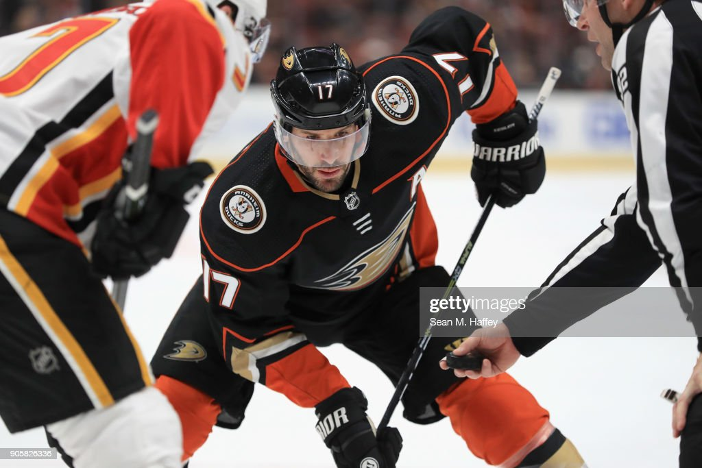 Ryan Kesler #17 of the Anaheim Ducks prepares for the puck to drop on a faceoff during the third period of a game against the Calgary Flames at Honda Center on December 29, 2017 in Anaheim, California.
