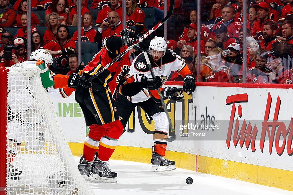 Ryan Kesler #17 of the Anaheim Ducks skates against the Calgary Flames at Scotiabank Saddledome for Game Four of the Western Quarterfinals during the 2015 NHL Stanley Cup Playoffs on May 8, 2015 in Calgary, Alberta, Canada.