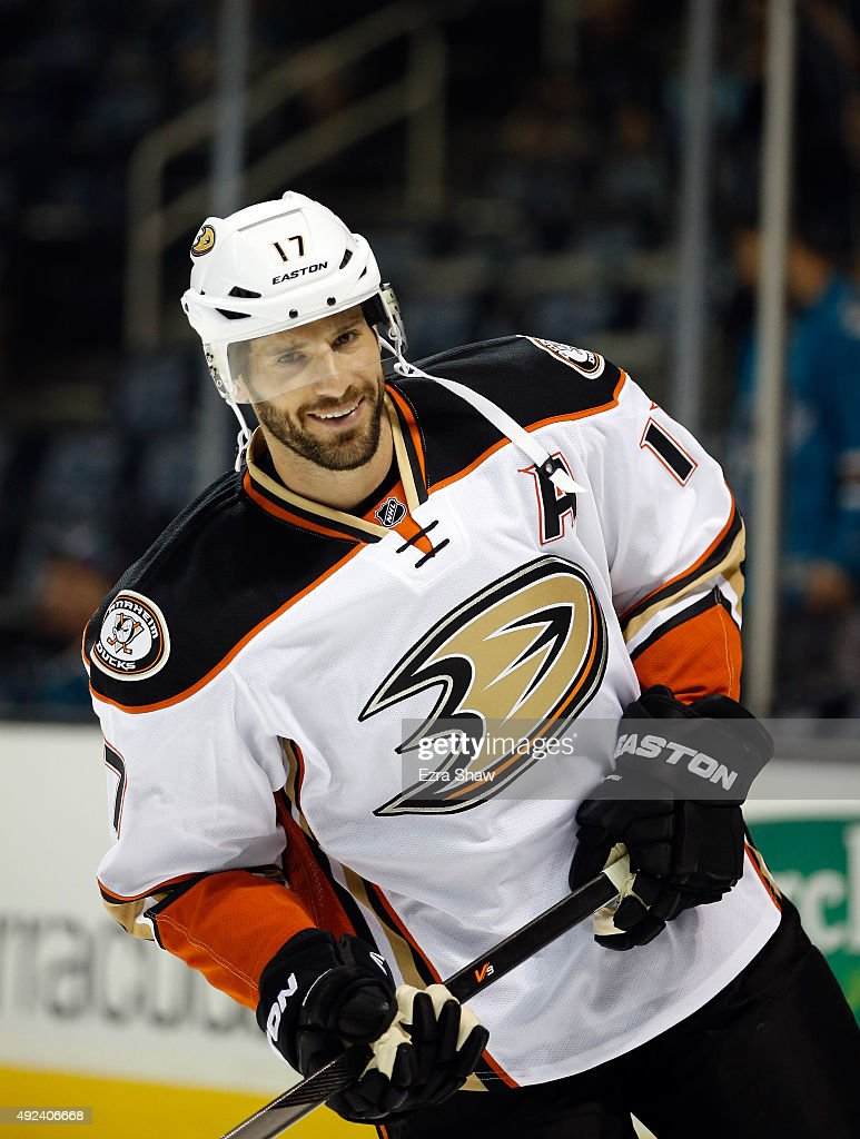 Ryan Kesler #17 of the Anaheim Ducks warms up before their game against the San Jose Sharks at SAP Center on October 10, 2015 in San Jose, California.