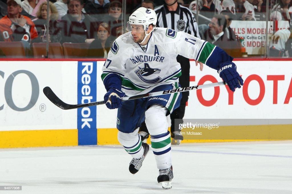 Vancouver Canucks v Philadelphia Flyers : ニュース写真