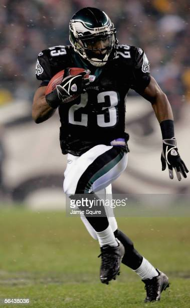 Ryan Moats of the Philadelphia Eagles carries the ball during the game against the Seattle Seahawks on December 5, 2005 at Lincoln Financial Field in...