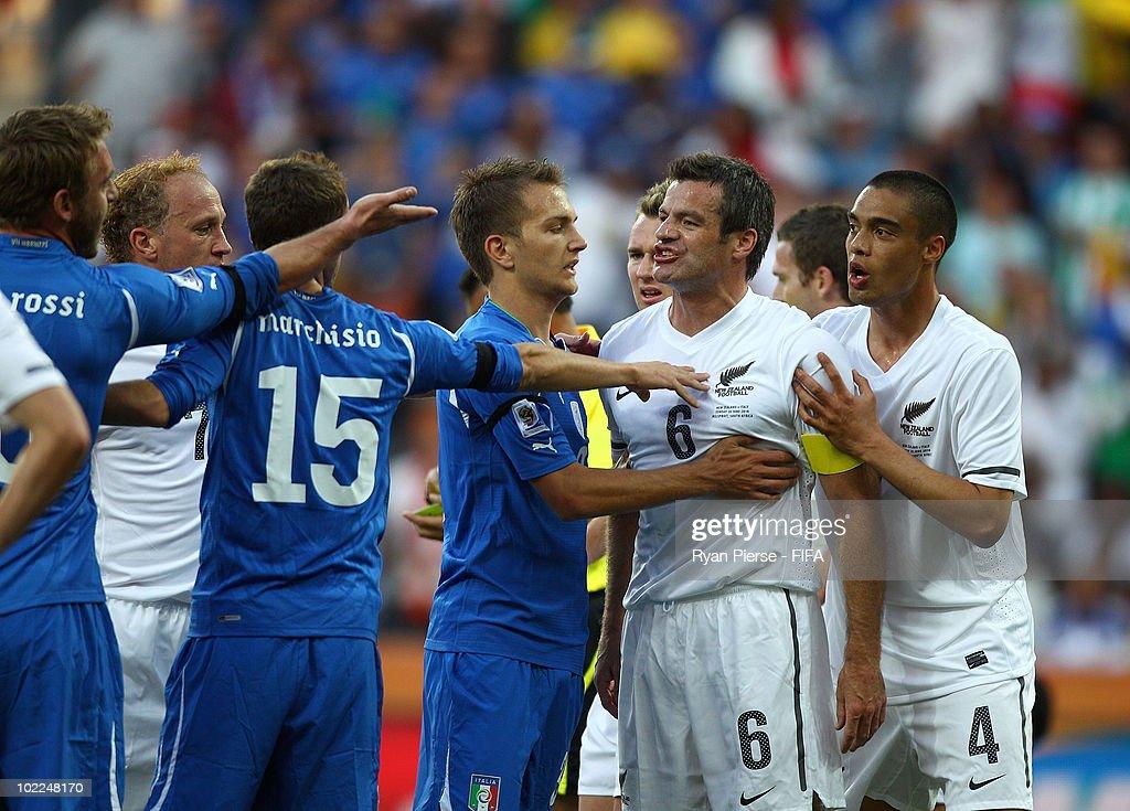 Italy v New Zealand: Group F - 2010 FIFA World Cup : News Photo