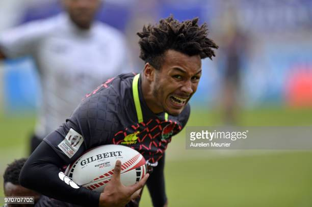 Ryan Olowofela of England runs with the ball during match between england and Fiji at the HSBC Paris Sevens stage of the Rugby Sevens World Series at...