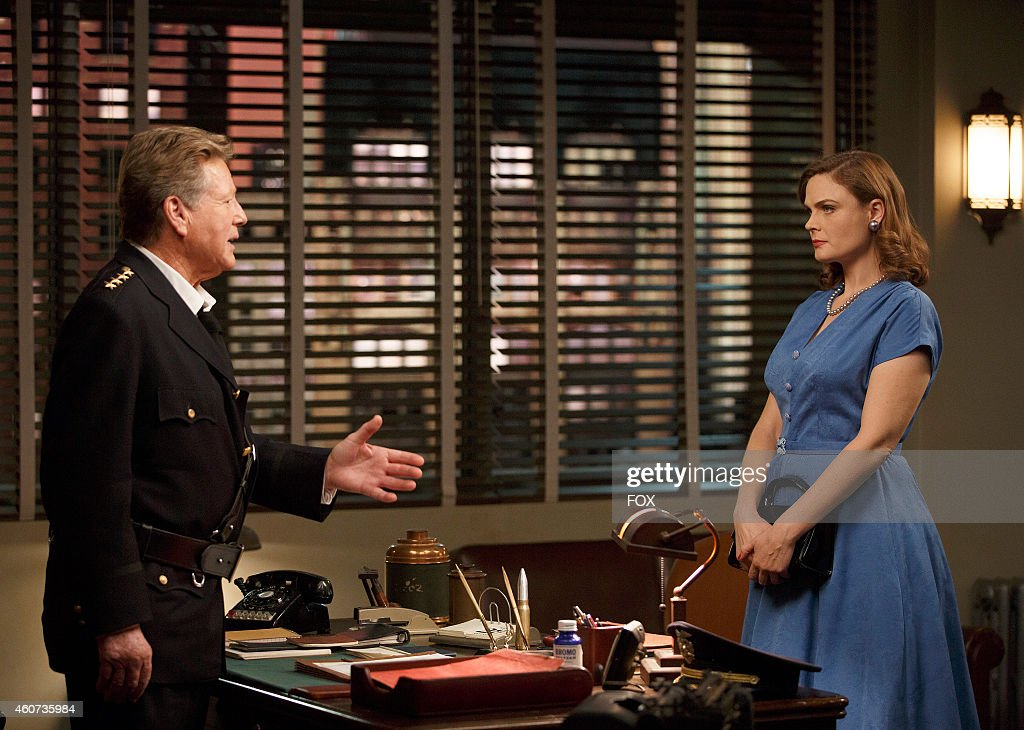 Ryan O'Neal (L) and Emily Deschanel in the 'The 200th in the 10th' 200th episode of BONES airing Thursday, Dec. 11, 2014 (8:00-9:00 PM ET/PT) on FOX.