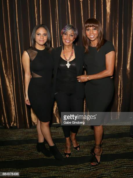 Ryan Peete Robinson Entertainment President and honoree Dolores Robinson and actress Holly Robinson Peete attend the 2017 Personal Managers Hall of...