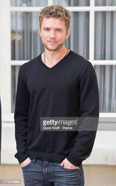 Ryan Phillippe poses during 'Lincoln Lawyer' Photocall at Hotel ShangriLa on April 4 2011 in Paris France