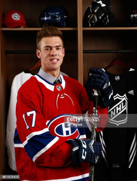 Ryan Poehling 25th overall pick of the Montreal Canadiens poses for a portrait during Round One of the 2017 NHL Draft at United Center on June 23...