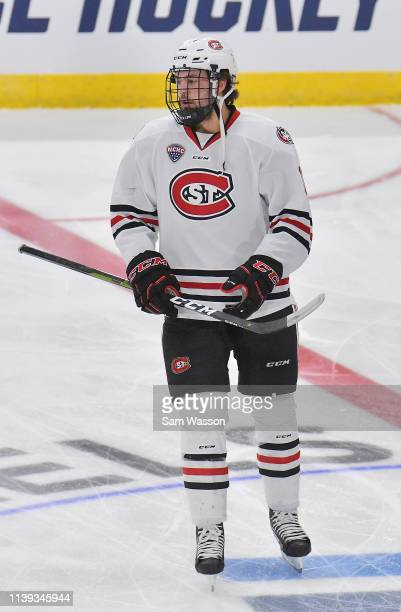 Ryan Poehling of the St Cloud State Huskies warms up before his team's NCAA Division I Men's Ice Hockey West Regional Championship Semifinal game...