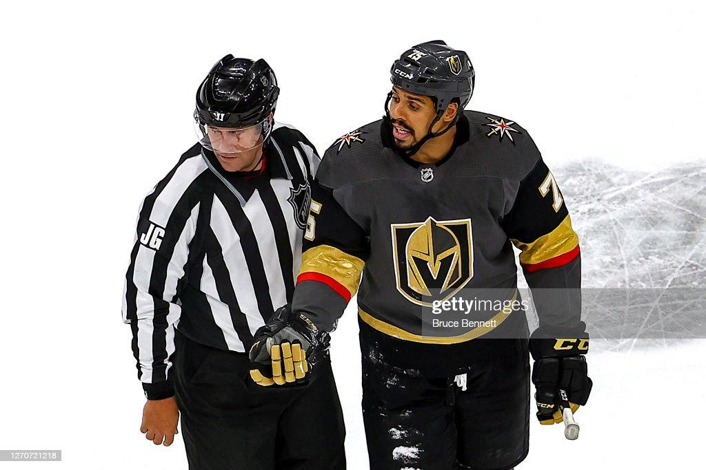 Vancouver Canucks v Vegas Golden Knights - Game Seven : Photo d'actualité
