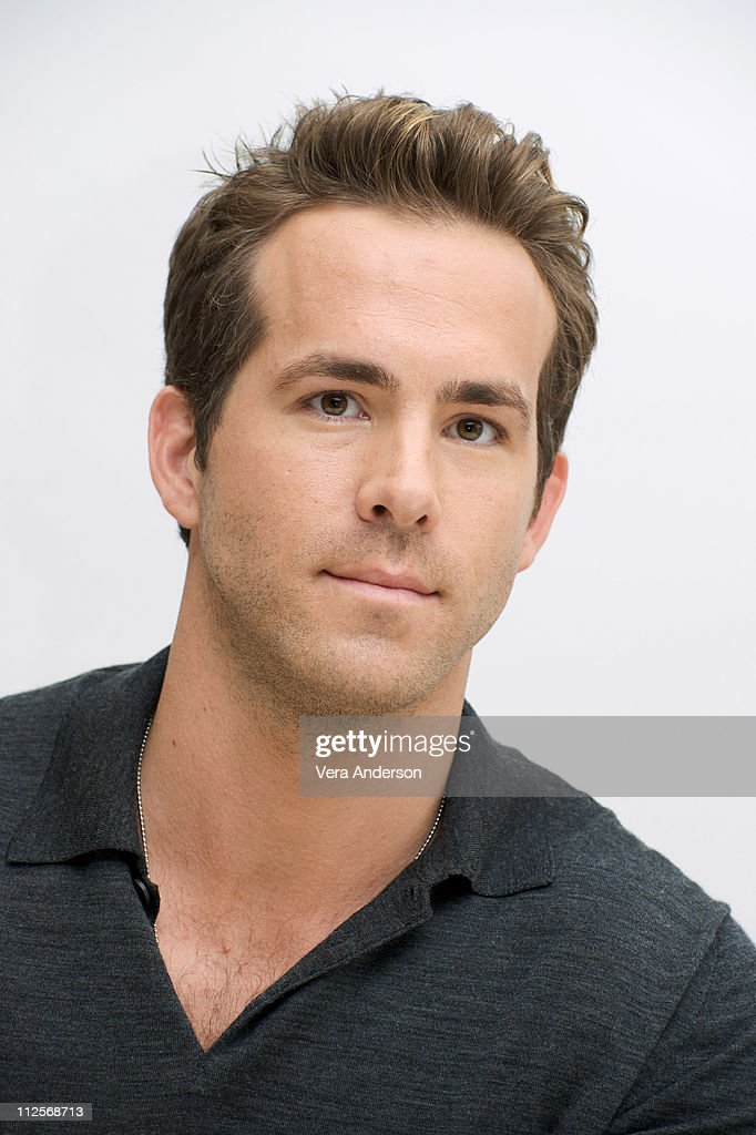 Ryan Reynolds At The Proposal Press Conference At The Four Seasons Picture Id112568713