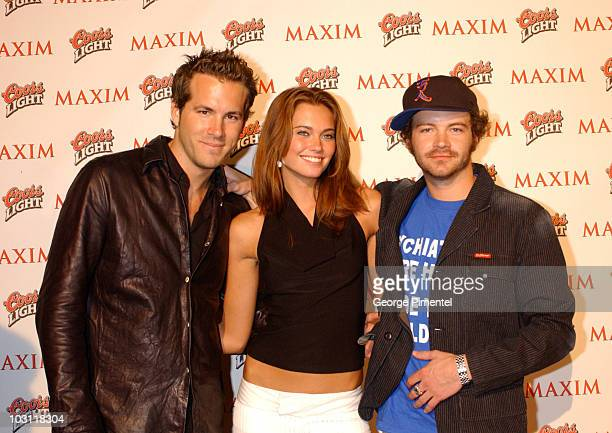 Ryan Reynolds Bobette Riales and Danny Masterson