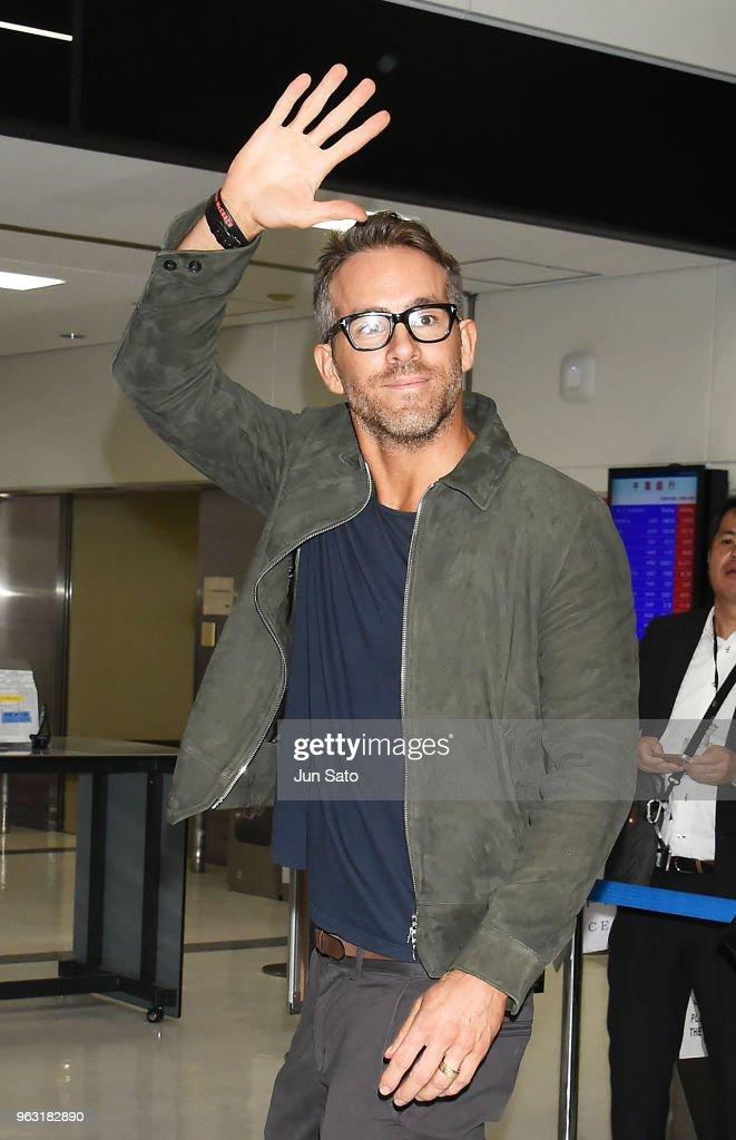Ryan Reynolds Arrives In Tokyo