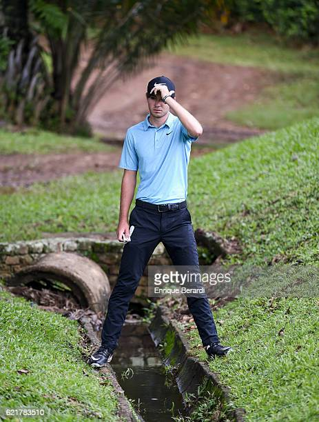 Ryan Ruffels of Australia looks over his shot at the 18th hole during the second round of the PGA TOUR Latinoamerica Colombia Classic at Club...
