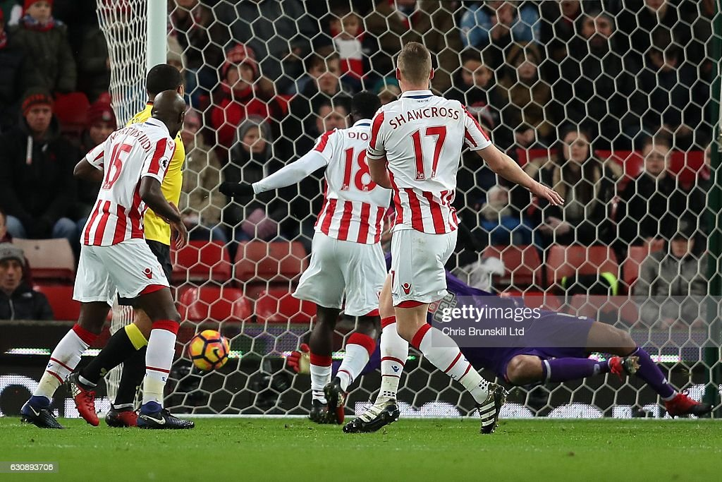 Ryan Shawcross of Stoke City scores the opening goal during the Premier League match between Stoke City and Watford at the Bet365 Stadium on January 3, 2017 in Stoke-on-Trent, England.