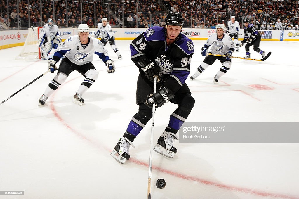 Ryan Smyth #94 of the Los Angeles Kings skates with the puck against the Tampa Bay Lightning at Staples Center on November 4, 2010 in Los Angeles, California.