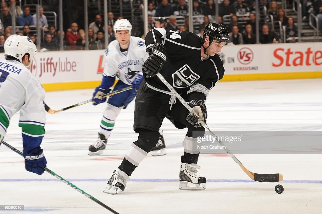 Ryan Smyth #94 of the Los Angeles Kings skates with the puck against the Vancouver Canucks in Game Three of the Western Conference Quarterfinals during the 2010 NHL Stanley Cup Playoffs at Staples Center on April 19, 2010 in Los Angeles, California.