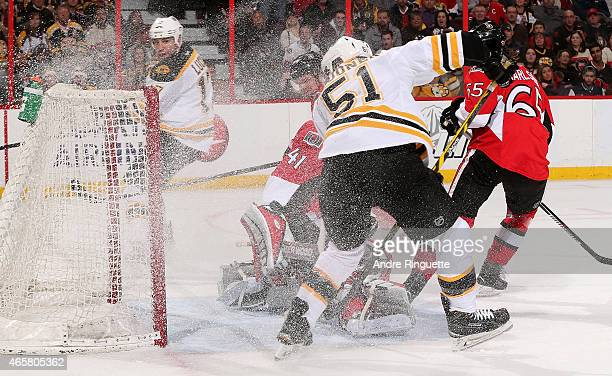Ryan Spooner of the Boston Bruins scores his second goal of the 2nd period against Craig Anderson of the Ottawa Senators at Canadian Tire Centre on...